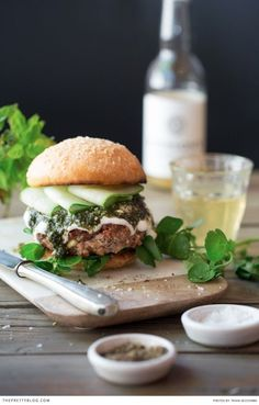 Look at this delicious look lamb and feta burger! Make your own burger from scratch with this recipe! Recipe, food preparation and text: Ilse van der Merwe Assistant: Elsebé Cronjé Photography & Styling: Tasha Seccombe Lamb Recipes, Wine Recipes, Cooking Recipes, Hamburger Recipes, Lamb Burgers, Gourmet Burgers, Turkey Burgers, Veggie Burgers, Sandwich Wrap