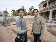 Go behind the scenes as the Scott brothers renovate their family compound in Las Vegas.