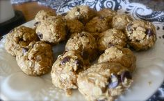 No Bake Peanut Butter Chocolate Chip Oatmeal Balls - WOW ohhhhh WOW, these are SOOOOO good!!!!!