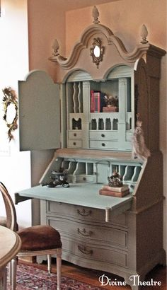 So charming!... this... with burgundy inside!