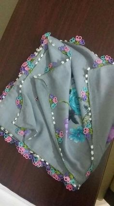 This Pin was discovered by Sem – Harika El işleri-Hobiler Eminem, Hand Embroidery, Baby Car Seats, Tatting, Diy And Crafts, Stitch, Sewing, Sarees, Instagram