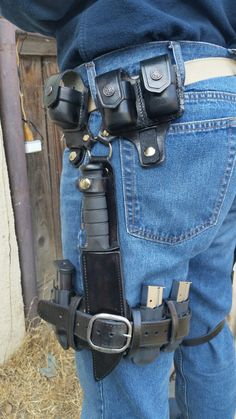 Mad Max rigs, Kabar sheath, with 9mm mag holders and speed loaders