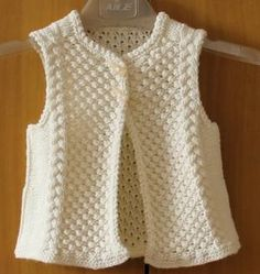 Knit a children's sleeveless vest - Knitting 01 Baby Sweater Knitting Pattern, Knitted Baby Cardigan, Vest Pattern, Knit Vest, Free Pattern, Sleeveless Cardigan, Womens Sleeveless Tops, Vest Outfits For Women, Clothes For Women