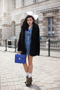 Style it with Bloglovin' Entries  BY:  lwoodfull