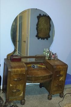 staining wood vanity vintage renew, painted furniture, Removing the veneer Antique Vanity, Wood Vanity, Vintage Vanity, Vanity Redo, Refinished Vanity, Antique Makeup Vanities, Vintage Dressers, Furniture Projects, Furniture Makeover