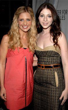 Sarah Michelle Gellar, Michelle Trachtenberg.... er... Buffy & Dawn.... Sisters FOREVER...( Well... in my mind)