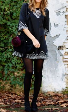 Black Round Neck Embroidered Loose Dress