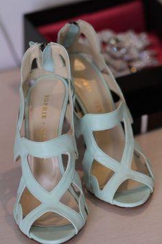 Loving the geometric shapes on these sassy light blue sandals! Featured Shoes: Sophia Gittins via Happy Wedd