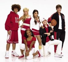 The cast of High School Musical (minus Zac Efron) is reuniting to raise money for charity!