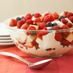 Berry Trifle Fresh summer strawberries and blueberries make this spectacular dessert rich in vitamin C and full of flavor. It's easy to make and ready to chill in 25 minutes.