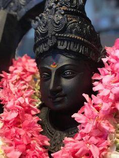 Kala Kshetram — Devi by Arun Yogiraj (sculptor) Lord Murugan Wallpapers, Lord Krishna Wallpapers, Hanuman Images, Lord Krishna Images, Kali Hindu, Swami Samarth, Lord Shiva Family, Ganesha Pictures, Shiva Art