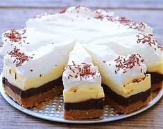 Brzo i bez pečenja: Kinder torta u četiri boje Mini Cheesecakes, No Bake Cookies, No Bake Cake, Baked Brie Appetizer, Cheesecake Ice Cream, Kolaci I Torte, Ice Cream Candy, Czech Recipes, Healthy Cake