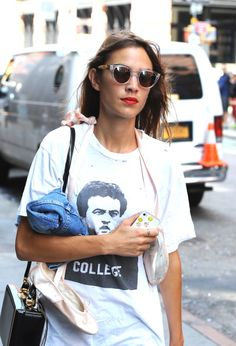 """livefastdiechung: """" Alexa Chung is seen in Soho on September 2014 in New York City. Looks Style, Style Me, Alexa Chung Style, Cooler Style, Look Fashion, Womens Fashion, Net Fashion, Tokyo Fashion, Mein Style"""