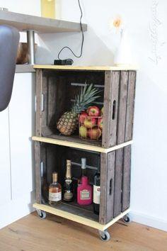 regal mit farbig gestrichener r ckwand einfache regale. Black Bedroom Furniture Sets. Home Design Ideas