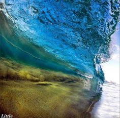 O lugar preferido de Little é North Shore, no Havaí, mas ele já viajou o mundo atrás das melhores imagens