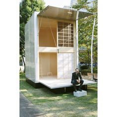 Three designers make minimalist MUJI hut. | Casabrutus.com