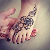 Black floral with swirls mehndi design for kids foot – Henna Henna Hand Designs, Henna Designs For Kids, Mehndi Designs Finger, Basic Mehndi Designs, Tattoo Designs Foot, Mehndi Designs Feet, Legs Mehndi Design, Mehndi Design Photos, Mehndi Designs For Fingers