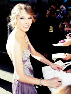 Taylor Swift . so gorgeous