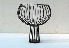 CHAMPAGNINO    vaso in filo di ferro cotto dipinto e lavorato a mano varie misure e colori    cm h 48 x 12 x 30    © 2012 Antonino Sciortino