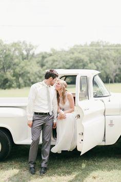 cute wedding portrait idea, photo by Feather & Twine Photography http://ruffledblog.com/a-breakfast-wedding-in-texas #weddingportrait #weddings