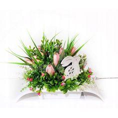 Veľká noc je za rohom a s ňou prichádza aj jarné obdobie. Vyzdobte si svoju domácnosť krásnymi dekoráciami z našej ponuky. Stačí si vybrať a nakupovať. Wreaths, Decor, Decoration, Door Wreaths, Deco Mesh Wreaths, Decorating, Floral Arrangements, Garlands, Floral Wreath