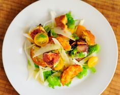 Roast fig, Pecorino & broad bean salad Roasted Figs, Bean Salad, Ginger Jars, Canapes, Fine Dining, Street Food, Beans, Bean Salads, Beans Recipes