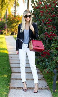 Blazer e calça clara