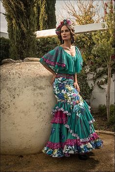Colección moda flamenca 2016 Funky Outfits, Cute Outfits, Skirt Fashion, Boho Fashion, Flamenco Dancers, Flamenco Dresses, Costumes Around The World, Spanish Fashion, Elegant Outfit