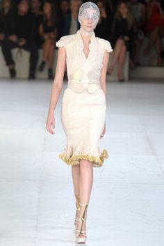 McQueen Spring 2012 - So Dutches Catherine!