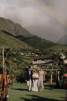 Colorful Eco-Friendly Maui Wedding at Punakea Palms Palm Wedding, Wedding Blog, Elopement Wedding, Summer Wedding, Destination Wedding, Wedding Planning, Wedding Ideas, Maui Weddings, Island Weddings