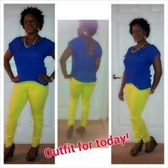 Color blocking neon yellow and cobolt blue Neon Yellow, Blue, Color Blocking, Capri Pants, Crystal, Fashion, Capri Trousers, Moda, La Mode