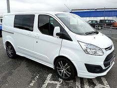 Ford Transit Custom Limited 2.2TDCi ( 125PS ) Double Cab-in-Van