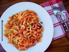 Tagliatelle cu ciuperci si porumb Spaghetti, Vegetarian, Ethnic Recipes, Food, Diet, Essen, Yemek, Spaghetti Noodles, Meals