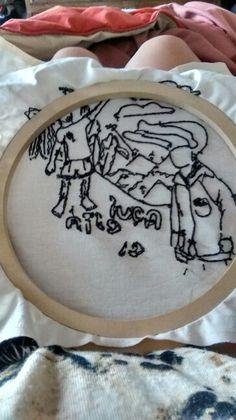 Terminando de delinear el bordado del Librongo, mi revés va mejorando ^^