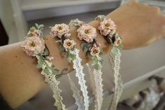 Armbänder/ Haarbänder auf Spitzenband I am pleased to present this article from my shop to present: bracelets / hair bands on lace ribbon Wedding Suits, Boho Wedding, Wedding Flowers, Ribbon Wedding, Wedding Cake, Wedding Dress, Flower Hair Band, Flowers In Hair, Bridesmaid Jewelry