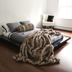 Best Home Fashion Pearl Finn Raccoon Faux Fur Blanket Faux Fur Blanket, Faux Fur Throw, Fur Bed Throw, Lap Blanket, Style At Home, Home Bedroom, Bedroom Decor, Bedrooms, Master Bedroom