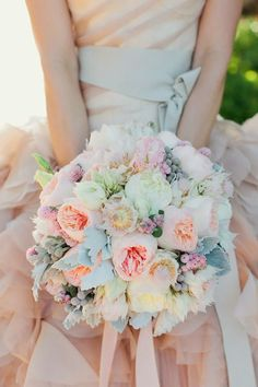 Pastels perfection ~ Photographer: Swoon by Katie, Floral Design: Modern Bouquet  | bellethemagazine.com