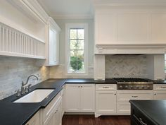 Tips for Choosing a Kitchen Materials Palette