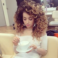 Curly Hair, Highlights, Blonde, Streaks, Ella Eyre