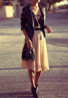 | @andwhatelse I don't like the bag, but I like the jacket and the skirt