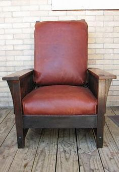 Gustav Stickley spindled Morris chair
