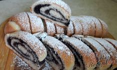 Perfect poppy seed strudel without leavening NejRecept. Strudel, Bread Rolls, Kakao, Something Sweet, Hot Dog Buns, Food Art, Yummy Treats, Sushi, Nutella