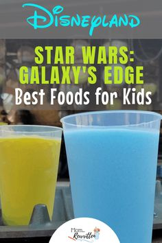 Star Wars Land with preschoolers or toddlers? See what little kids experience in Star Wars: Galaxy's Edge with tips on dining, shopping & entertainment. Disneyland Dining, Disneyland Restaurants, Disneyland Food, Disney Dining, Disney World Secrets, Disneyland Secrets, Disney World Planning, Disney World Trip, Disney Snacks