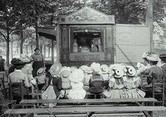 Edwardian Era — Puppet show, Luna Park, Paris in 1910 Paris 1900, Old Paris, Vintage Paris, Vintage Pictures, Old Pictures, Vintage Images, Old Photos, Paris Pictures, Girl And Cat