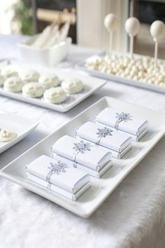 Google Image Result for http://www.intimateweddings.com/blog/wp-content/uploads/2011/11/White-Chocolate-Bars.jpg