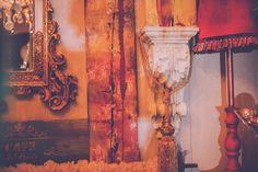 Pannonian X-MAS im Art Boutique Hotel Bürgerhaus in Rust. #winterromanze #decoration #timimoo #bürgerhaus #mooslechners #rust #kordel #goldrahmen #anniesloan #chalkpaint #anniesloanchalkpaint Annie Sloan, Boutique, Bed And Breakfast, Event Design, Inspiration, Painting, Indoor Courtyard, House, Biblical Inspiration