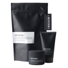 Hunter's Lab's new natural men's skincare gift set the Hunter Essentials includes the Daily Face Fuel and the Cleansing Facial Scrub