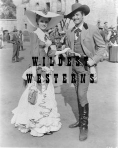 ERROL FLYNN n ALEXIS SMITH photo WESTERN Cowboy boots CUTE CANDID San Antonio