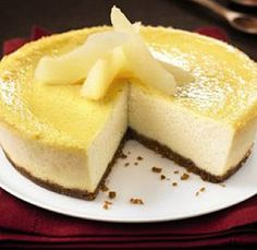 Cheesecake tofu poire et speculoos  400 grammes de tofou soyeux 400 grammes de poires 75 grammes de Speculoos 30 grammes de sucre de canne complet 2 oeufs 2 cuillère(s) à soupe de purée d'amandes grillées