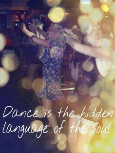 """""""Without music life would be a mistake"""" - Friedrich Nietzschze.     Muziek en dansen zijn voor mij belangrijk. Muziek is emotie en het brengt mensen bij elkaar. Als ik goede muziek hoor dan moet er gedanst worden. Dansen is voor mij een uitlaatklep, het maakt me vrolijk en ik krijg er energie van.  Even een moment om te ontsnappen aan de hectiek van het alledaagse."""